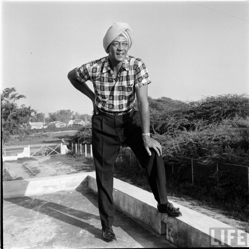 Jesse Owens in India 1955